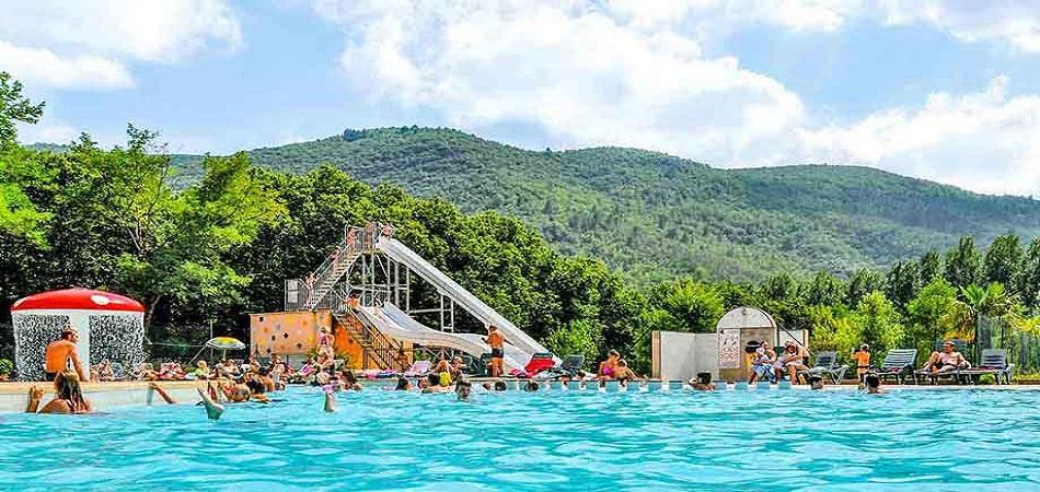 En camping au bord de la rivière Ardèche, comment mettre son temps à profit ?