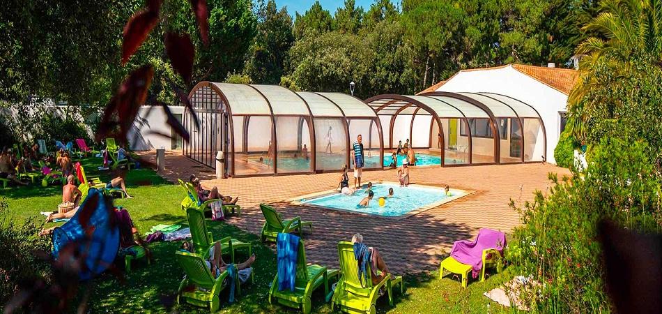 L'Île Blanche : un camping avec piscine au cœur de l'Île de Ré