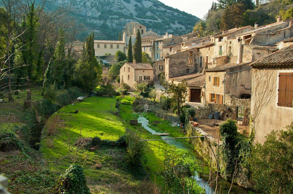 Saint-Guilhem-le-Désert et ses attraits naturels