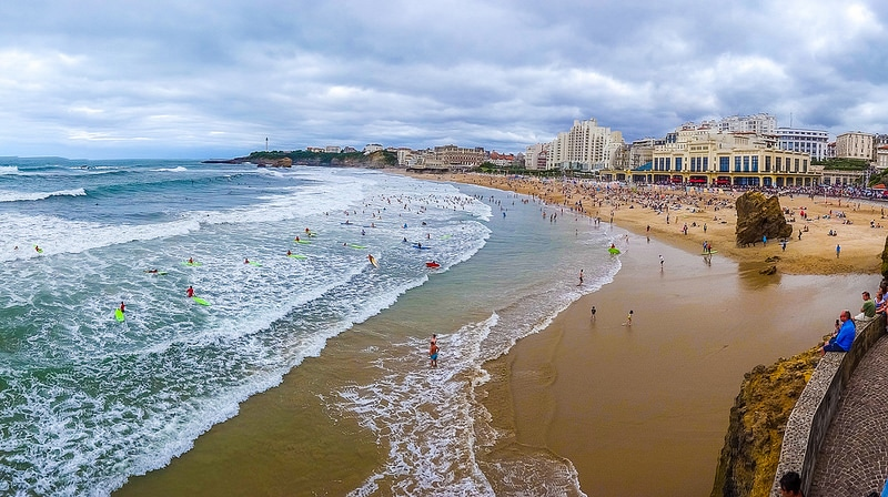 Biarritz ou la station balnéaire adoptée par les campeurs