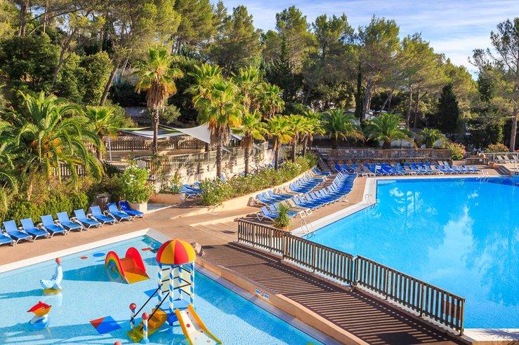 Les plus beaux campings avec piscine et pataugeoire de Fréjus